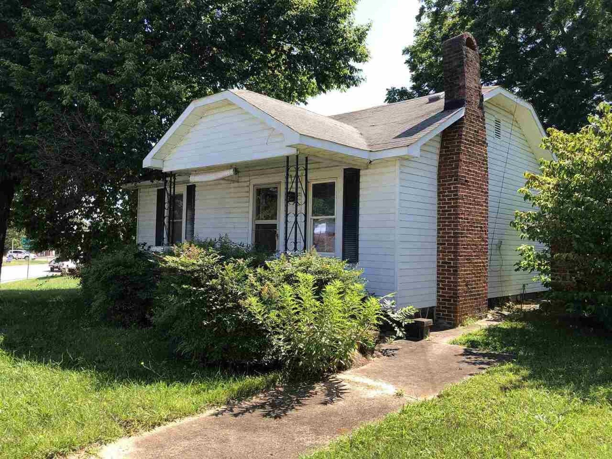 648 Louise St, Clarkesville GA 30523