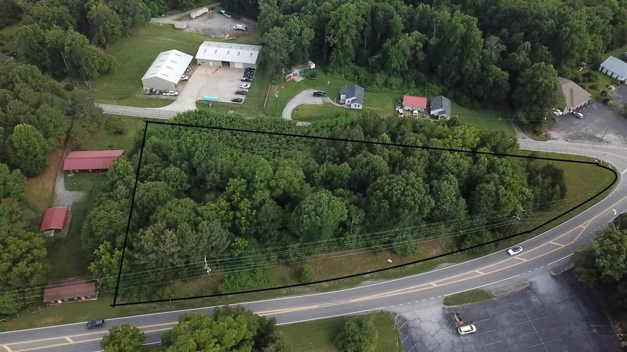 1029 Hist Highway 441, Demorest GA 30535